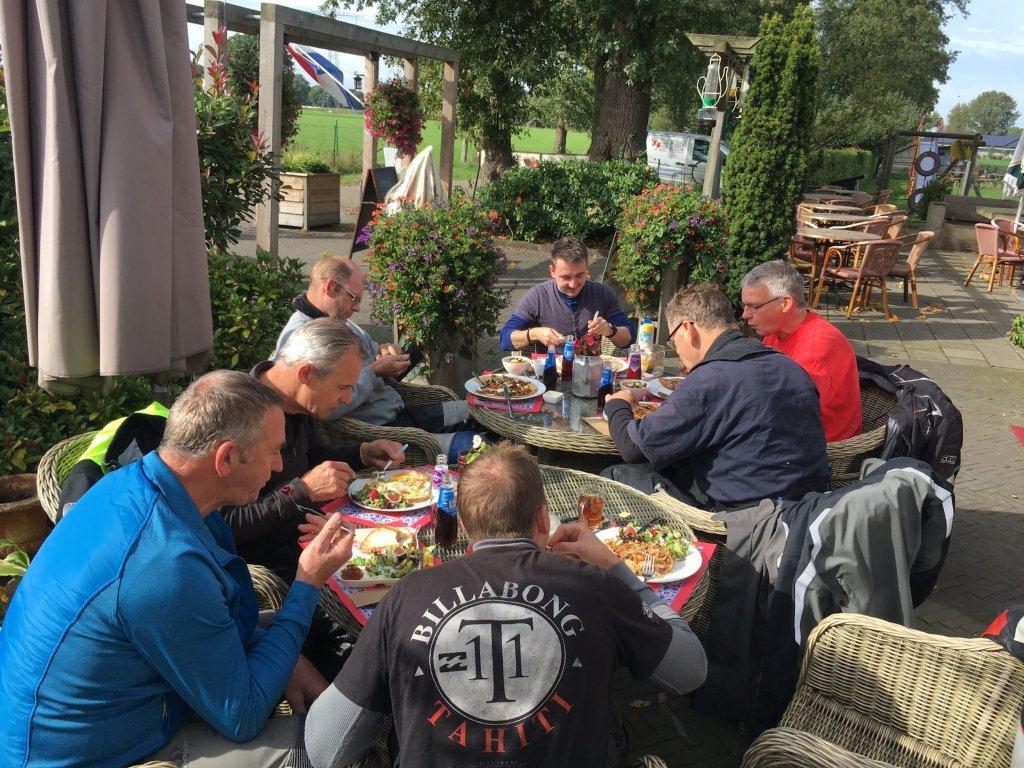 01 10 2017 Ff Lunchen Bij Pannenkoekenhuus Marle In Marle (2)